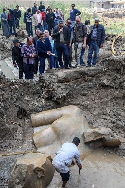 ΑΝΑΚΑΛΥΨΗ:  Τεράστιο  άγαλμα του Φαραώ Ραμσή Β' του Μέγα, του κατά τους Έλληνες Οσυμανδύα