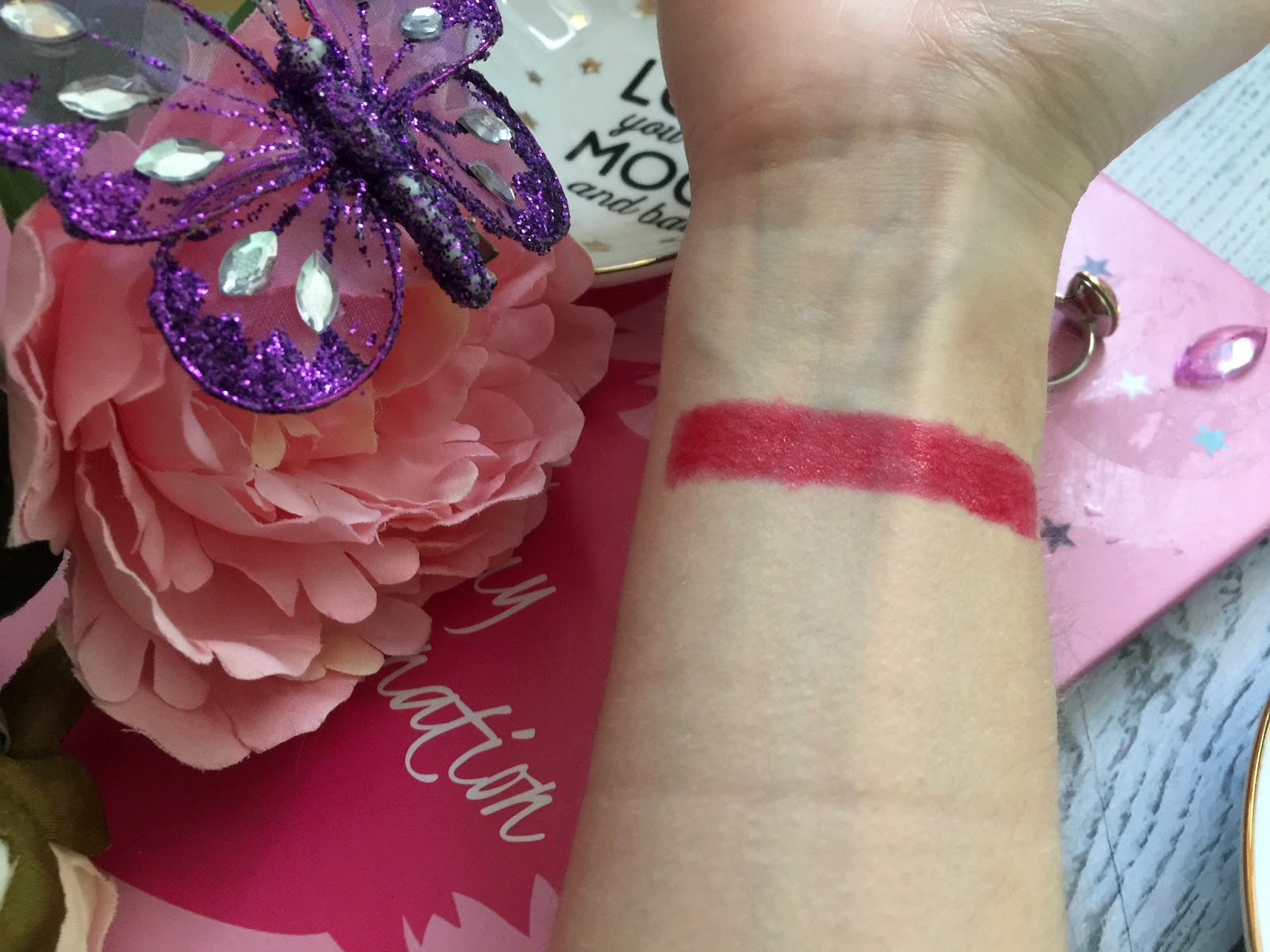 bourjois colorboost lipstick in red island swatch