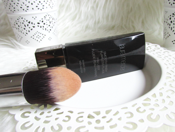 Laura Mercier - Smooth Finish Flawless Fluide