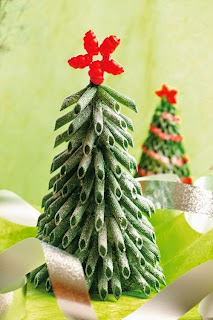 Árbol de navidad con pasta en Recicla Inventa
