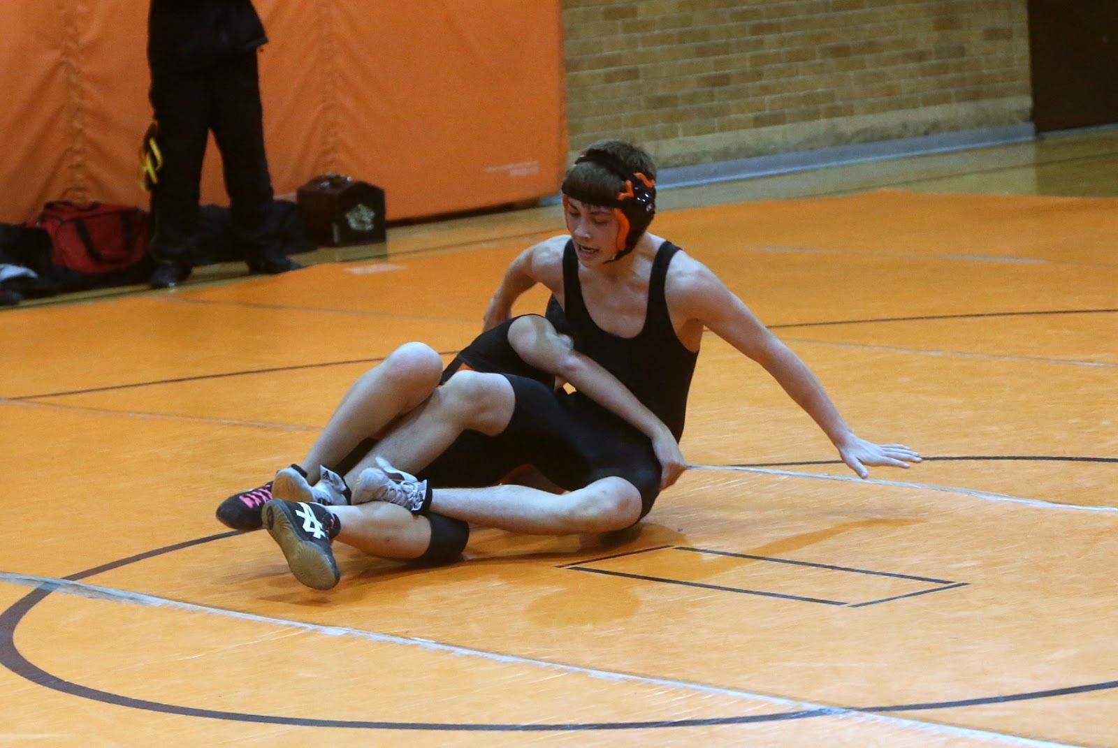 Men Wrestling Women Female Wrestler Pins Male Opponent-5949