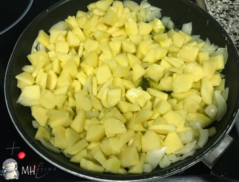 Tortilla de patatas rellena paso a paso