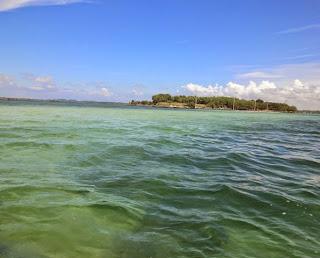 Pulau Pasir saat air laut masih pasang