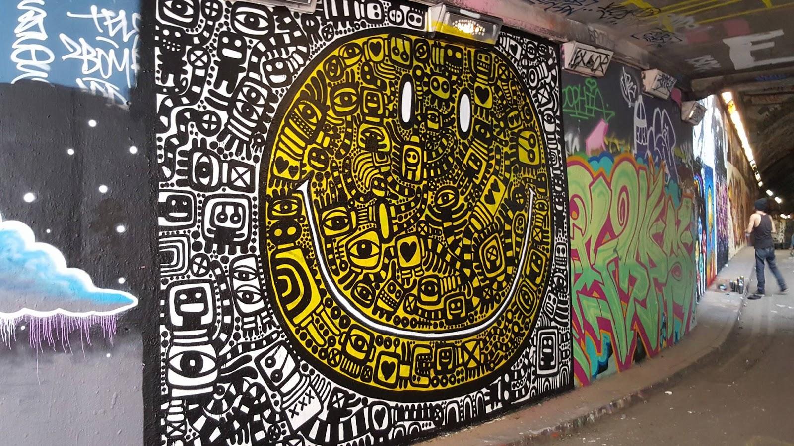 Contoh Gambar Grafiti Emotikon  Sobgrafiti