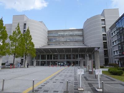 大阪府警察門真運転免許試験場の建物