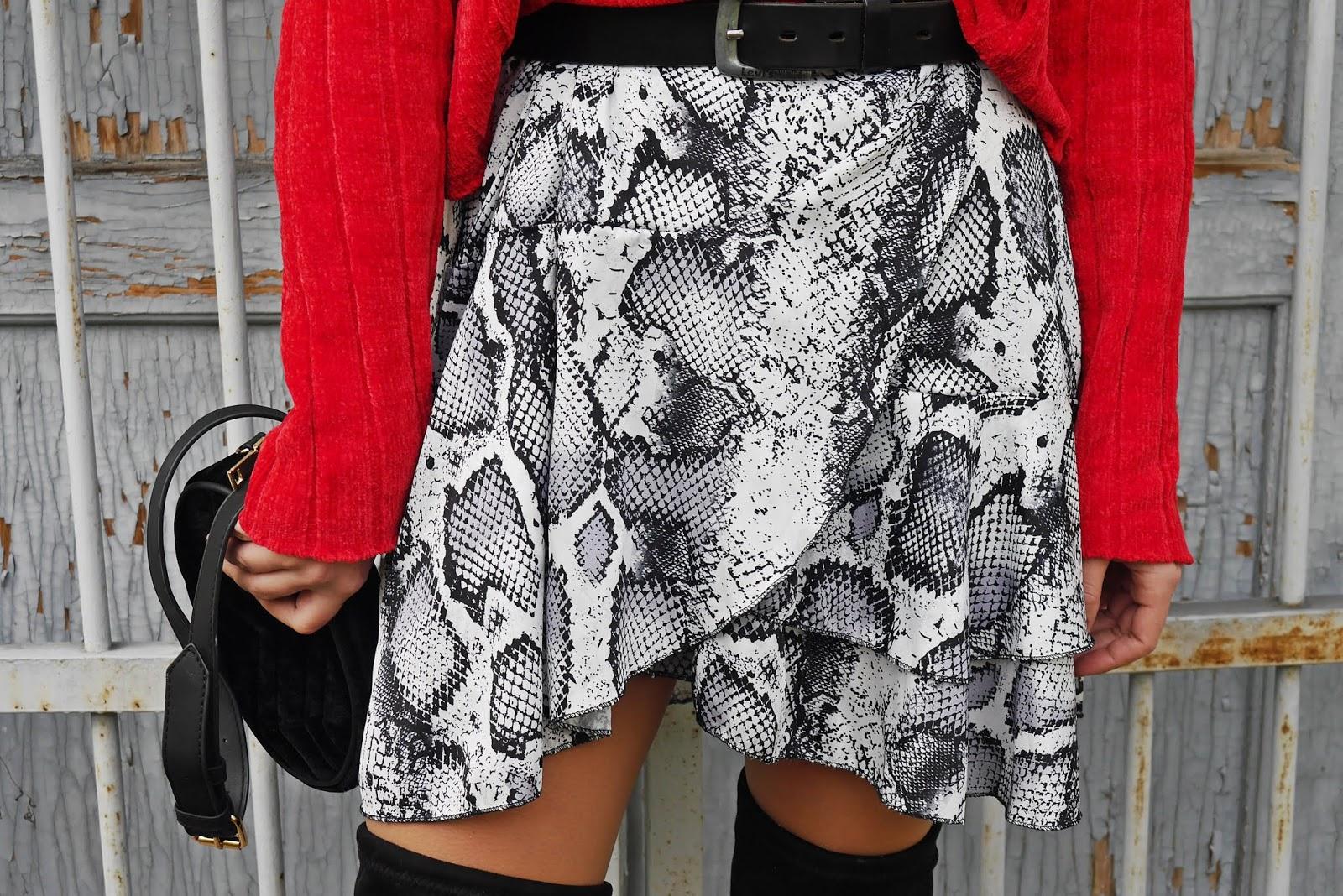 Spódnica wężowy wzór karyn blog modowy