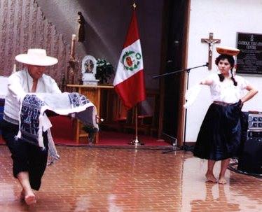 Foto del baile Tondero con su respectiva vestimenta