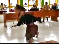 SAMBUT TAMU KEPALA SEKOLAH, SISWA SDN 29/4 MAJANNANG HUNUS BADIK