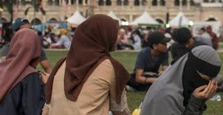 غضب ماليزي على زواج فتاة في الحادية عشر من عمرها