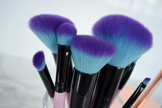 Spectrum Synthetic, cruelty free, vegan brushes, bristles close up