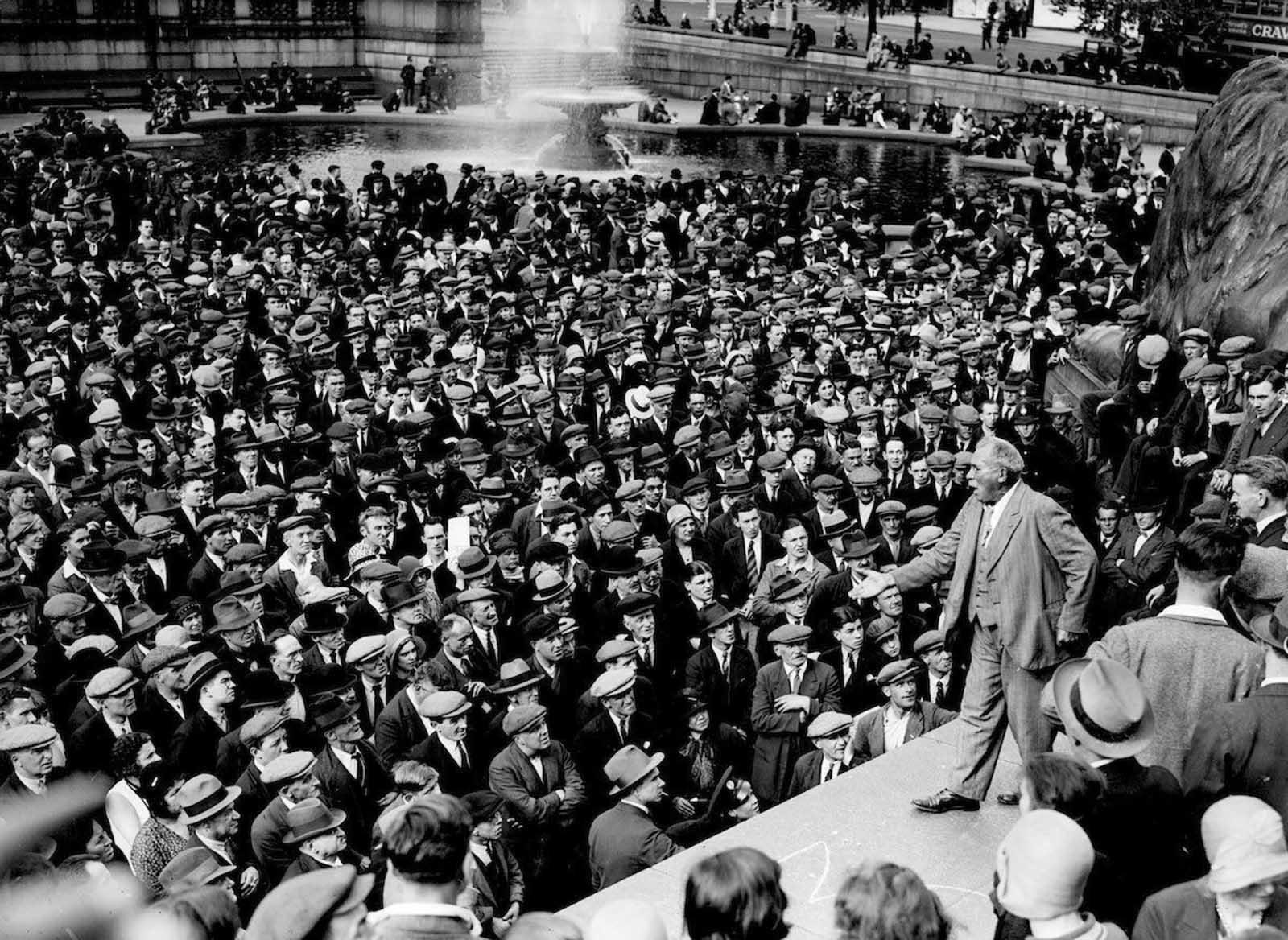 Veteran Trade Unionist Tom Mann (1856-1941) addressing a Communist meeting in Trafalgar Square, London. 1931.