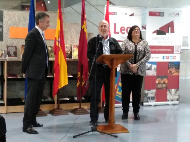 """Inauguración de la exposición: """"Al Natural"""" de Andrés López."""