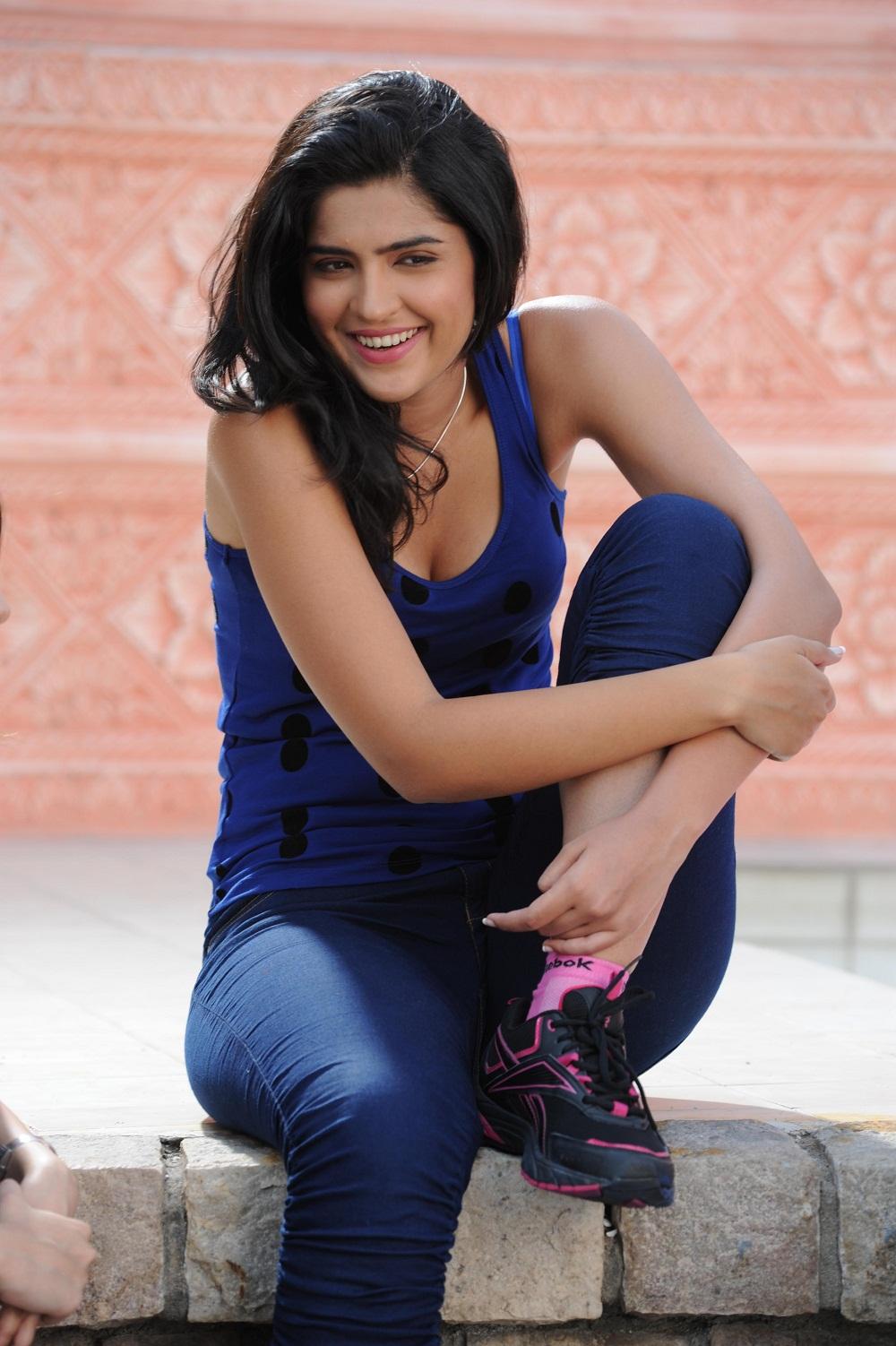 sleeveless dress hot image deeksha seth latest picture in blue dress ...