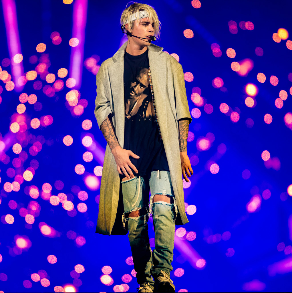 Fashion For Men Justin Bieber Continues A 90s Love