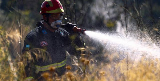 Αγανακτισμένοι οι Πυροσβέστες στην Χίο – Οι λαθρομετανάστες βάζουν 3 φορές την μέρα φωτιά..
