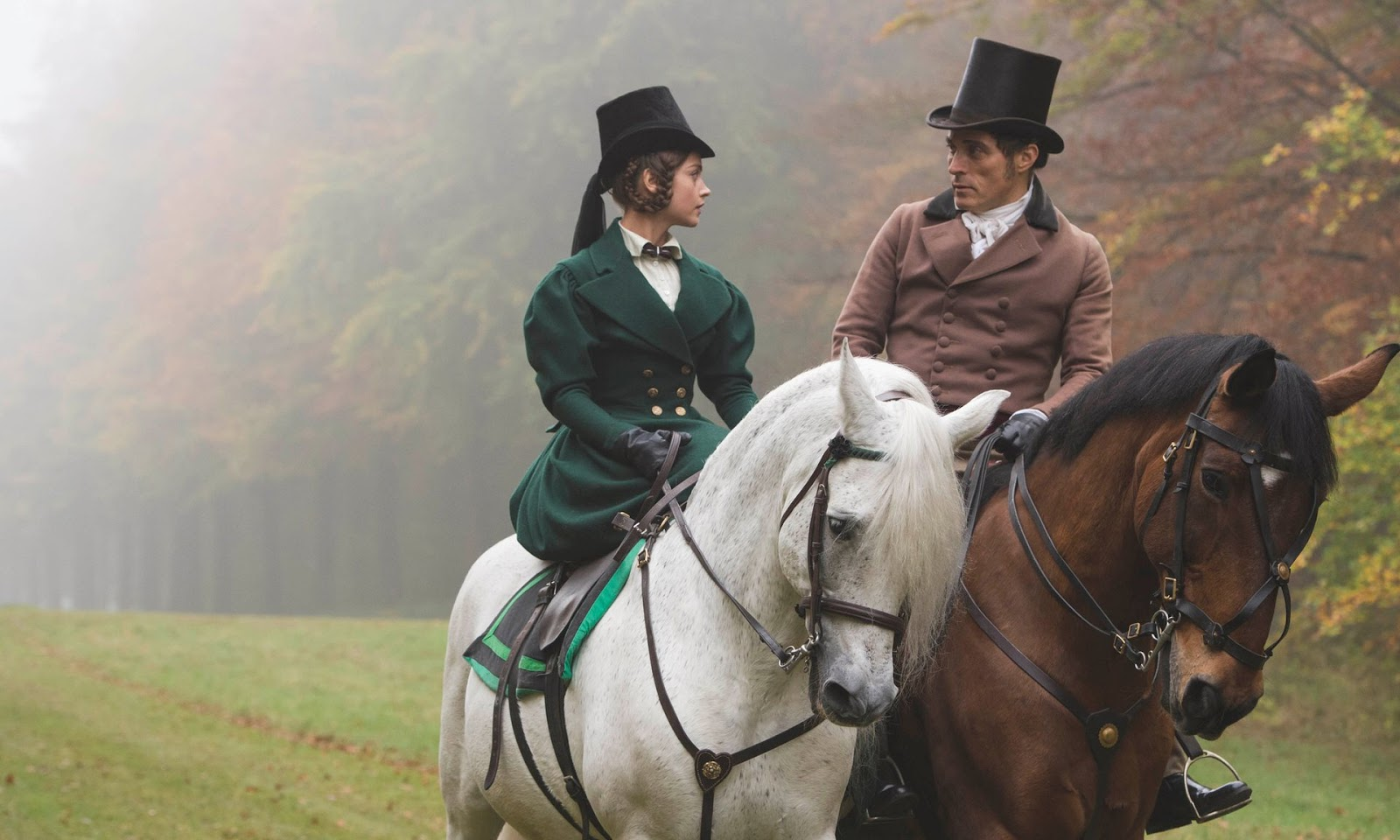 Jenna Coleman y Rufus Sewell en Victoria (ITV)