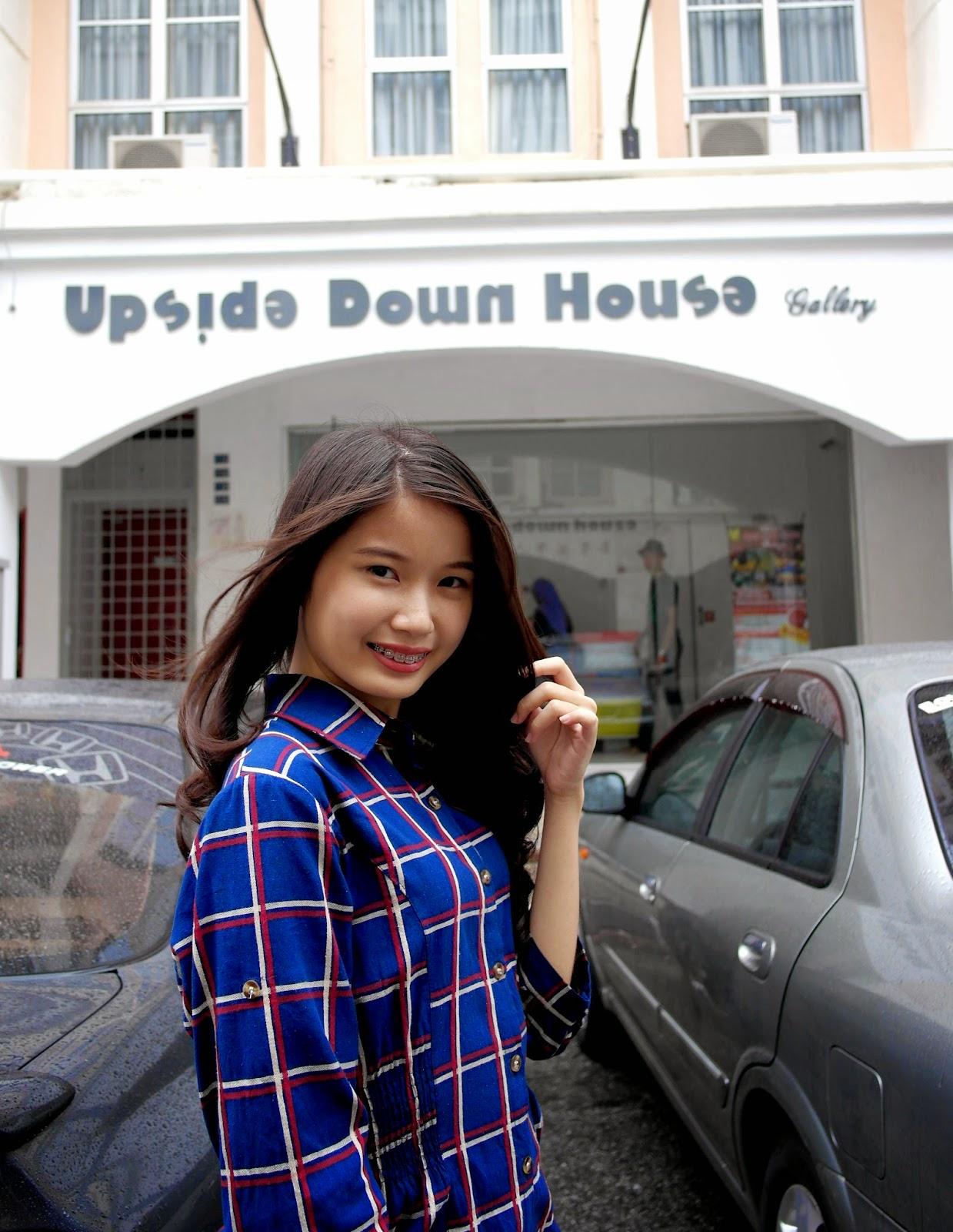 M A N D Y: Upside Down House Gallery @ Melaka