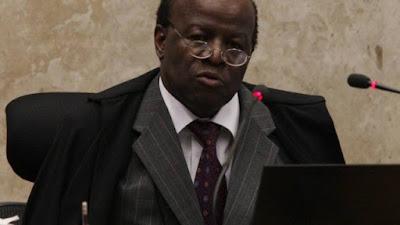 Joaquim Barbosa convoca povo às ruas para pedir 'renúncia imediata' de Michel Temer