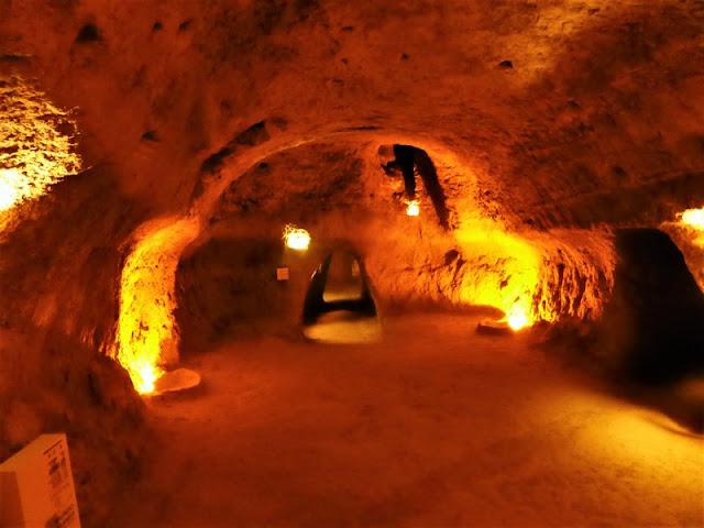 Requena: cuevas de la villa
