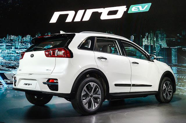 2018 Introduce Kia Niro EV crossover at Paris motorshow back view