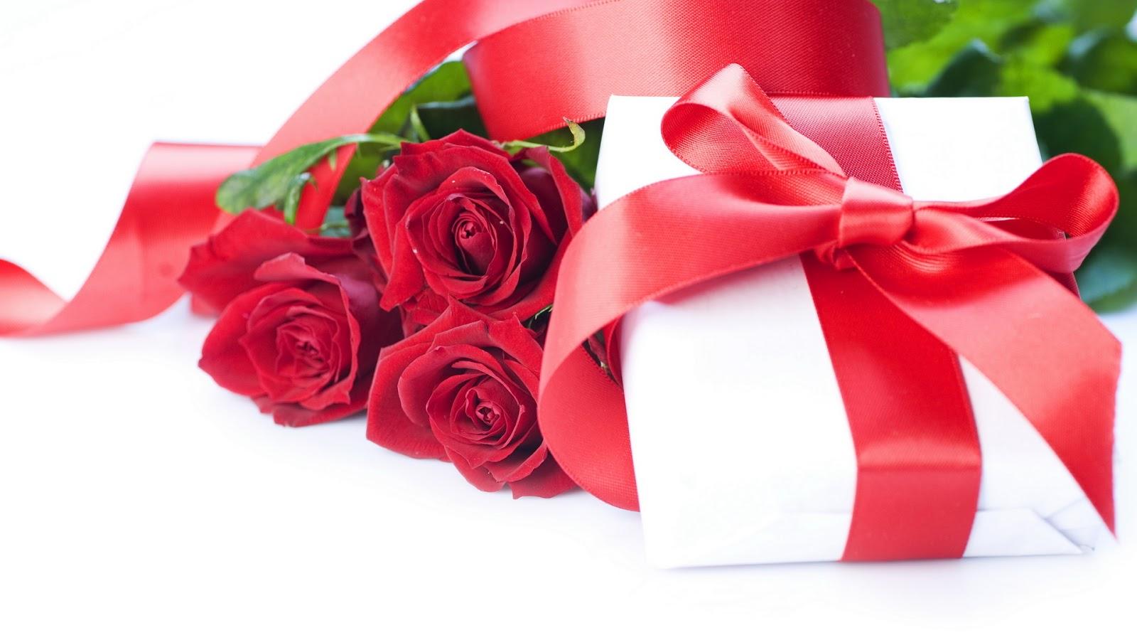 Solo Fondos De Pantalla San Valentin: Fondo De Pantalla Dia De San Valentin Rosas Con Regalo