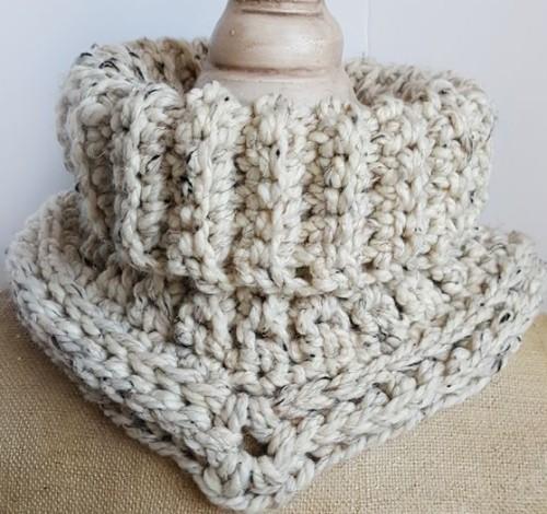 Easy Crochet Cowl - Free Pattern
