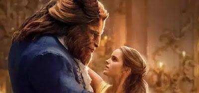 Os atores Dan Stevens e Emma Watson em cena do filme A Bela e a Fera, exibido pela Globo na última quinta (2)
