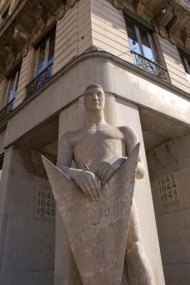 Statue du veilleur de pierre