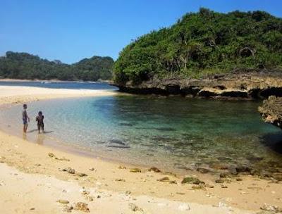 Pantai Kedung Celeng