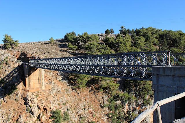 Bungee-Jumping-from-Aradaina-Bridge2