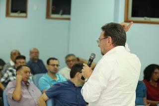 Ex-governador Wilson Martins participa de encontro com empresários picoenses