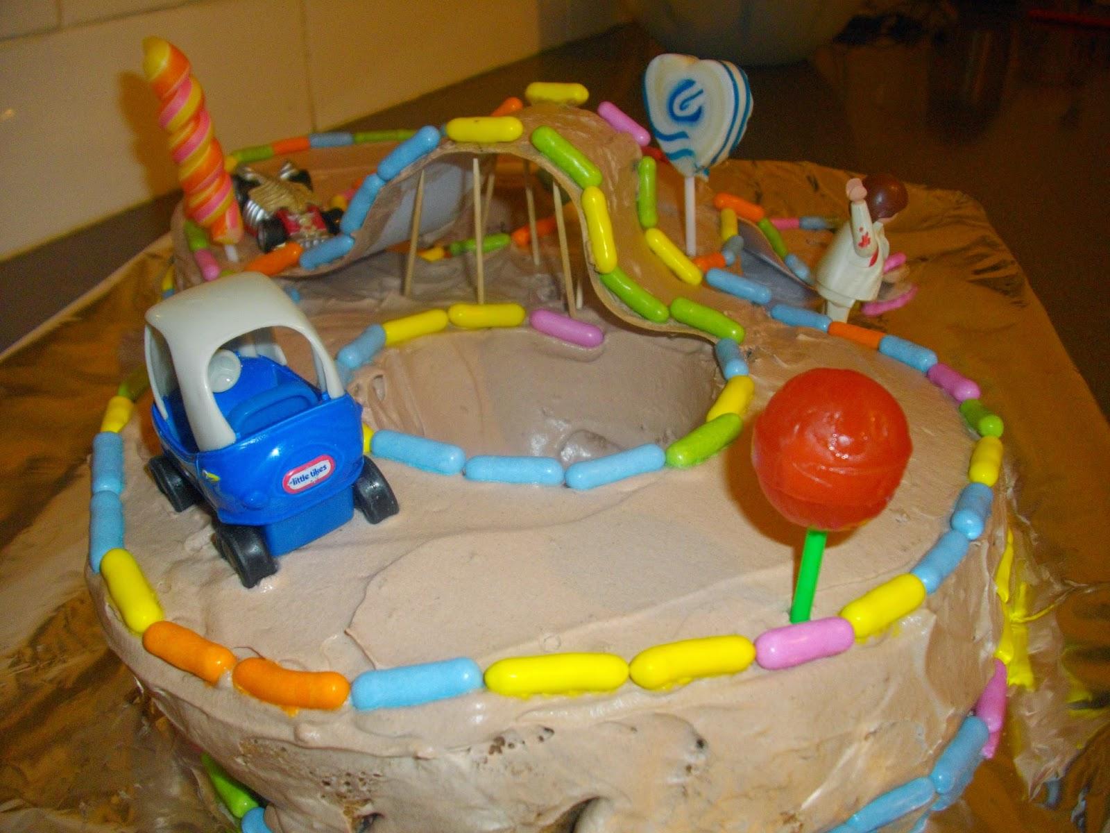 IMGP5066 - עוגת יומולדת מרוץ מכוניות