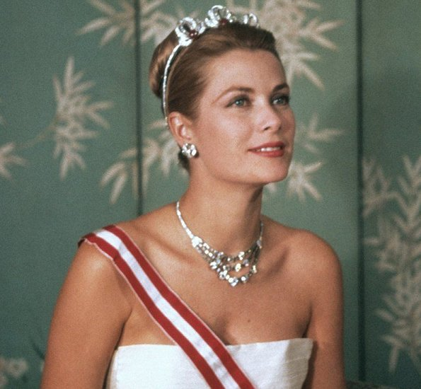 Cartier creates jewelry for Princess Grace