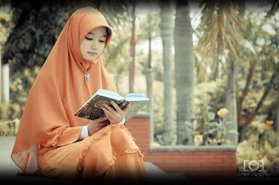 Contoh Puisi Bahasa Arab dan Artinya – SEDERHANA & MUDAH