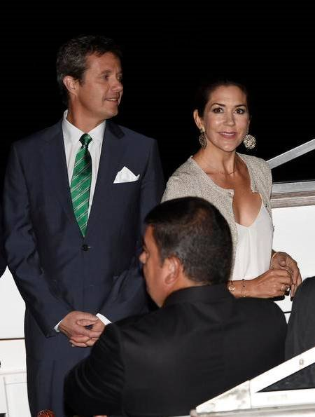 Crown Prince Frederik, Crown Princess Mary, Prince Joachim, Princess Marie, Prince Nikolai and Prince Felix attended a gala dinner at Rio de Janeiro Yacht Club -Iate Clube. Princess Mary Princess Marie wore skirt dress