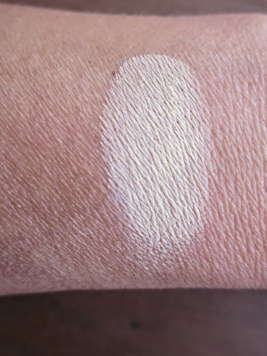 Swatch MAC paint pot in Soft Ochre