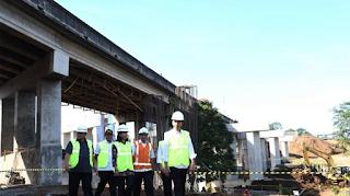 Jokowi Kembali Blusukan Untuk Tinjau Tol Bocimi, Mengapa?