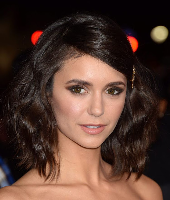 Nina Dobrev Wallpaper: Nina Dobrev Hd Wallpaper For Iphone