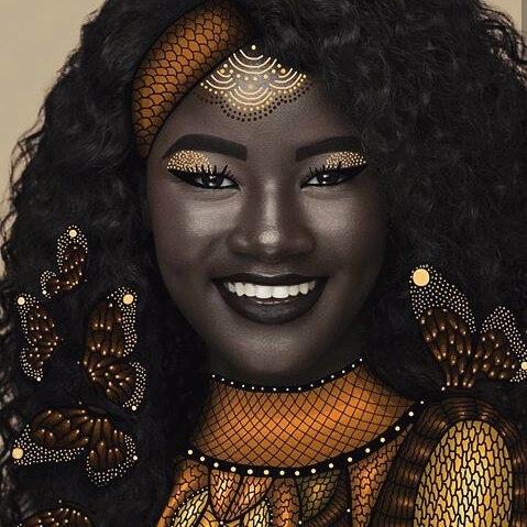 Punya Kulit Terhitam Didunia, Khoudia Diop Malah Jadi Model Terkenal