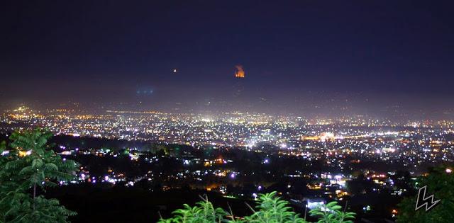 keindahan malam Puncak Rembangan Jember