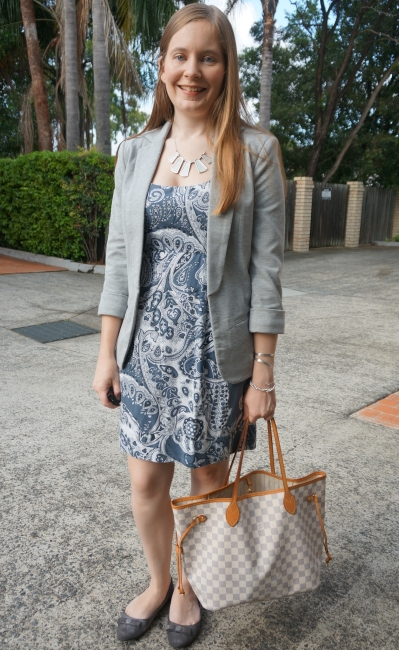 grey jersey blazer over paisley print sheath dress with Louis Vuitton neverfull, summer office outfit | awayfromblue