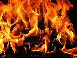 Wanita Diselamatkan Daripada Sambaran Api Distesen Minyak