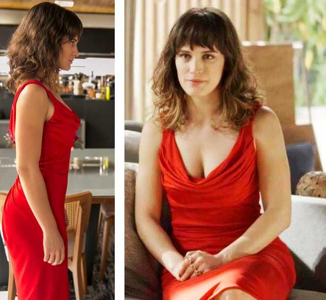 Clara vestido vermelho vingança