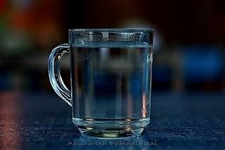 Manfaat Minum Air Suam