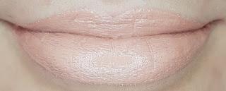 Avon mark. Epic Lip Lipstick in Nude Attitude