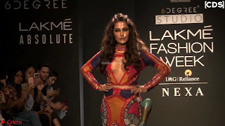 Chitrangada+Singh+walks+the+Ramp+in+Sizzling+Deep+Neck+Top+%7E+CelebsNext+Exclusive+014.jpg