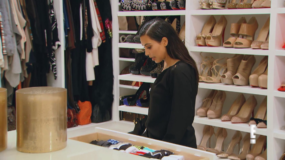 ... Reality Show U2013 Keeping Up With The Kardashians Which Premiers Today,  Khloe Kardashianu0027s Walk In Closet Was Fully Shown. See More Photos After  The Cutu2026
