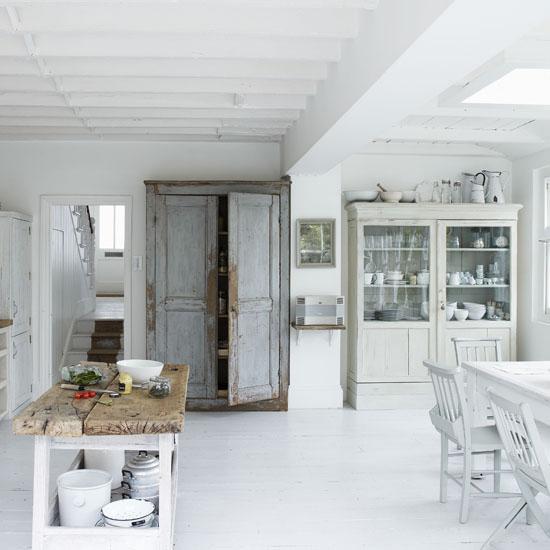 Refresheddesigns.: Green Idea: Diy Painted Floors
