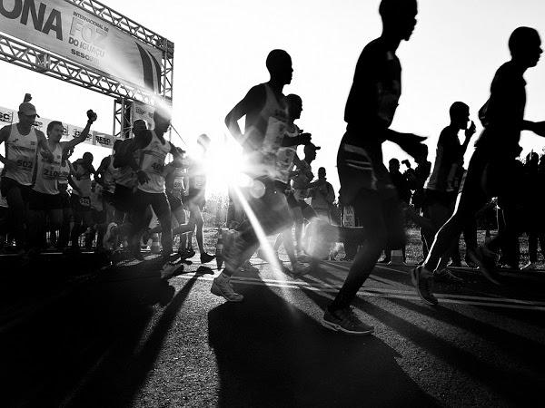 Corredores de maratón en la salida