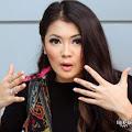 Lirik Lagu Indah Dewi Pertiwi - Show Me What You Got